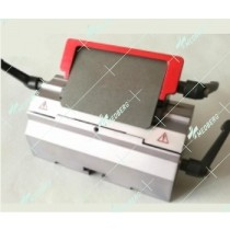 Microtome disposable blade holder in low-profile blade