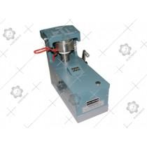 Compact Universal Digital Moisture Meter